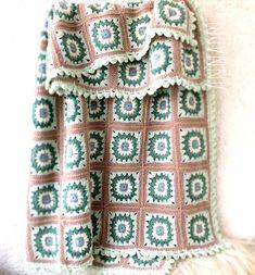 Handmade crochet Granny square blanket full of colors. Very warm blanket, with 80 Granny square. Colour: Multi - Color Measurements: 142 X 110 cm. Material: wool yarn Ready to ship. Blanket Crochet, Crochet Granny, Granny Square Blanket, Warm Blankets, Wool Yarn, Unique Gifts, Plaid, Cozy, Handmade