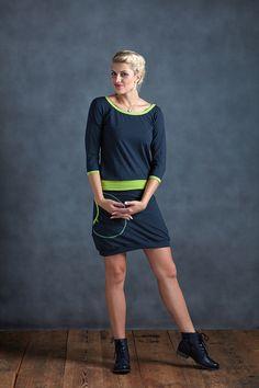 Dress+Sleeve+Blue+and+Limet+Dots+Šaty+s3/4rukávem+a+velkou+kapsoujsou+ušité+z+elastického+bavlněného+materiálu.+Šaty+jsou+mírně+podkasanéa+jsou+velmi+slušivé.+Velice+pohodlné+i+v+těhotenství.+Barva+jemodro-zelený+puntík,+lemování+zelená+limeta+Materiál+pružný+95%+bavlna+5%+elastan+Velikost+XS/36:+délka+87cm,+přes+prsa+40cm,boky+45cm,+délka+rukávu+41cm...