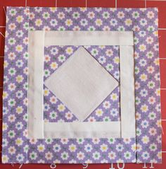 Freezer Paper - Paper pieceing. thatquilt.blogspot.com/2016/02/c-1-trooper-greens-badge.html