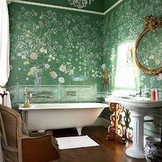 Furnishing ideas: The most beautiful interior & design trends - Tapeten Trends und Wandfarben - Home Sweet Home Chinoiserie Wallpaper, De Gournay Wallpaper, Chinoiserie Chic, Bad Inspiration, Bathroom Inspiration, Interior Inspiration, Bathroom Ideas, Bathroom Designs, Bathroom Green