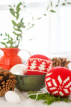 Fair Isle Christmas ornaments - an Evergreen tree and a snowflake. Both are free crochet patterns from 1dogwoof.com