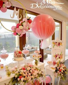 chic bridal shower party idea; Via Boutique Balloons Melbourne