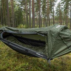 Comfy Hammock Tent for Outdoor Adventures - Camping Tent Camping Beds, Camping Bedarf, Backpacking Hammock, Outdoor Camping, Outdoor Gear, Camping Ideas, Camping Hacks, Camping Essentials, Camping Storage