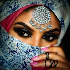 ღஐღ Вeauty dosage of the Eastღஐღ Arabian Eyes, Arabian Makeup, Arabian Beauty, Pretty Eyes, Cool Eyes, Portrait Photos, Bollywood Makeup, Arabian Princess, Arabian Women