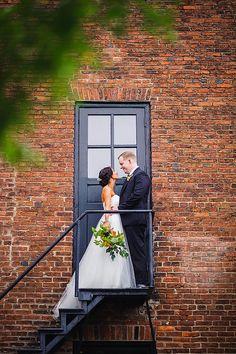 Mt Washington Mill Dye House Wedding || Annabelle Dando Photography || Charm City Wed || www.charmcitywed.com