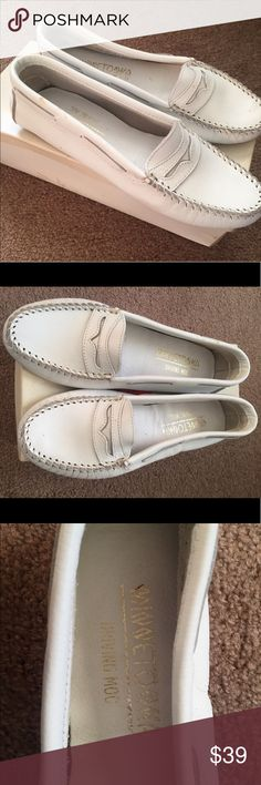 Minnetonka Moccasins White moccasins, brand new Minnetonka Shoes