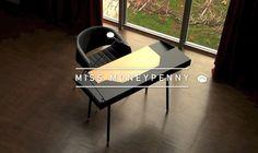Le bureau Miss Moneypenny par Ralph Kraeuter
