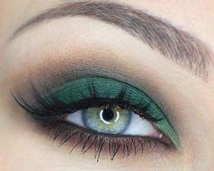 emerald eye shadow on green eyes, break the rules #mirabellabeauty #emerald