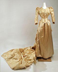 1889 ___ Wedding Dress by Mme. O'Donovan Robes, N.Y. ___ Silk ___American ___ at The Metropolitan Museum of Art ___ photo 1