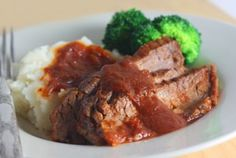 Root Beer Braised Brisket [crock pot meal] I've been looking for a brisket recipe. This may be Wednesday's dinner!