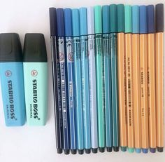 Got all my blue stabilo stuff together and I love how it looks (I just love blue that's probably why). Stationary Store, Stationary Supplies, Cute Stationary, Art Supplies, Stabilo Pen 68, Stabilo Boss, School Suplies, Cool School Supplies, School Notes