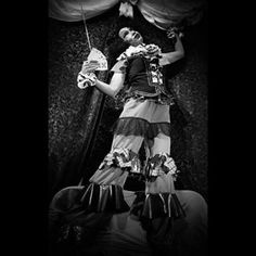 'When the curtain is about to rise, they will come alive again, the comedians'. Image rhyme part 1. Concept & Styling by me, -photography Robin Verhart. Visagie by Ursi Daal. Concept inspired by the song 'les comédiens' from Charles Aznavour. #concept #fashionphotography #model #marrionette #clownesque #theater #styling #musicinspiration #comediens #tocomealive #nikontop #nikon_photography_#blackandwhite #blackandwhitephotography