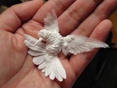 Beautifully Layered Paper Sculptures...Cheong-ah Hwang е артист кој создава сложени и убави артефакти од хартија.