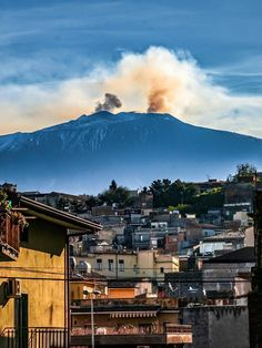 Bronte Wonderful Places, Beautiful Places, Mount Shasta, Heart Of Europe, Active Volcano, Mount Fuji, Sicily Italy, Throughout The World, Mother Nature