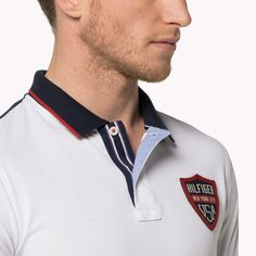 Come and read about the latest Tommy Hilfiger collections and choose your favorite line! Polo Rugby Shirt, Polo T Shirts, Boys Shirts, Camisa Polo Tommy, Tommy Hilfiger, Polo Design, Moda Casual, Collar Designs, Ss