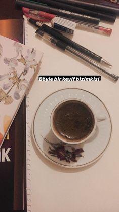 Cute Baby Girl Pictures, Story Instagram, Coffee Time, Cute Babies, Tea, Drinks, Tableware, Rage, Photos