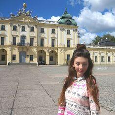 Half-up style in #Białystok  #Hair #HairStyle #Braid #InstaHair  #LongHair #BellamiHair #HairInspo #SummerStyle #Extensions #Poland #Polska #HairTrend #StyleInspiration #Style #Outfit #Fashion #HairDo #HudaBeauty #Ootd #BellamiGuyTang #PerfectHairPics  #HairsandStyles #FeatureFridayStyle #MisiaTV  @hairsandstyles @bellamihair @girlstraveldiary @mademoiselle_r @laredoute