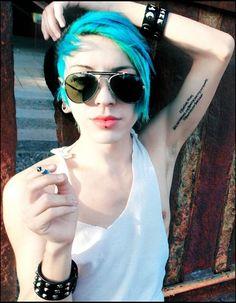 Youtubers, Pilot, Sunglasses Women, Fashion, Hair, Moda, Fashion Styles, Pilots, Fasion