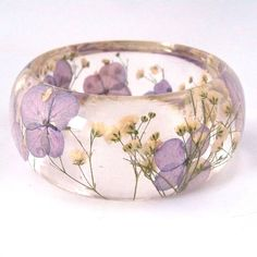 Enjoy Pantone's Color of the Year: Radiant Orchid in Resin and Real Flowers! Purple Hydrangea and White Baby's Breath Resin Bangle Bracelet.