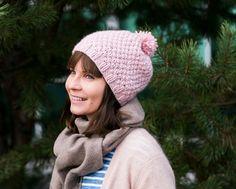 Helmineulepipo   Meillä kotona Knitting Projects, Knitted Hats, Winter Hats, Fashion, Moda, Fashion Styles, Fashion Illustrations, Knitting Stitches, Knit Hats