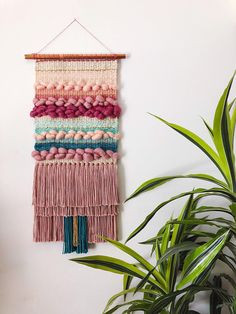 33 Ideas Wall Tapestry Woven Weaving Looms For 2019 Weaving Wall Hanging, Weaving Art, Loom Weaving, Tapestry Weaving, Wall Tapestry, Wall Hangings, Art Textile, Weaving Projects, Weaving Techniques
