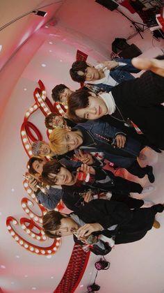 💫 - my stray kids Lee Min Ho, Monsta X, K Pop, Got7, Felix Stray Kids, Kids Wallpaper, Wallpaper Desktop, Disney Wallpaper, Iphone Wallpapers