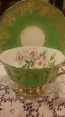 ROYAL ALBERT Bone China ENGLAND Tea Cup Saucer beautiful green floral w Gold