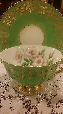 ROYAL ALBERT Bone China ENGLAND Tea Cup Saucer beautiful green floral w Gold