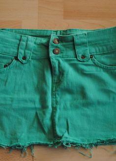 Kup mój przedmiot na #vintedpl http://www.vinted.pl/damska-odziez/spodnice/11894795-spodnica-zielona-mini-spodniczka-z-kieszeniami