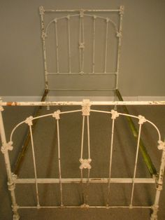 Antique Off White Cast Iron Shabby Chic Twin Bed Frame Massachusetts Bedroom Bed, Girls Bedroom, Bedroom Ideas, Bedrooms, Bedroom Decor, Antique Iron Beds, Wrought Iron Beds, Shabby Chic Twin Bedding, Cast Iron Beds