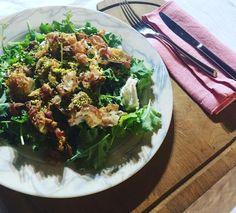 Sperimenti con il #Kale (cavolo riccio) questa è una insalata di Kale con pancetta croccante caprino e granella di pistacchio croccante. Da sballo!!!!!!! . . . #Foodblogfeed #foodiegram #emiliaromagna #FoodBloggerItaliani #FoodBlogging #BloggerGirl #foodpassion #foodstagram #foodaddict #foodpassion #foodphoto #foodie #food #pasta #pastafresca #italianpasta #BloggerItalia #MyFoodPorn #foodporn #feelingfood #foodpornography #foodnetwork #igerferrara #igersferrara #foodofinstagram #ferrara…
