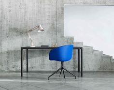 Hay (Table Black is a dining or work table with a tight composition and a clear aesthetic. Hay Chair, Coffee Table To Dining Table, Scandinavia Design, Minimalist Design, Furniture Design, Modern Furniture, Contemporary, Interior Design, Home Decor