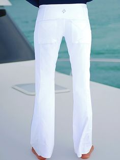Check out our JoFit Ladies & Plus Size Live In Pull On Golf Pants - Cosmopolitan (White) at Lori's Golf Shoppe. Free Shipping!