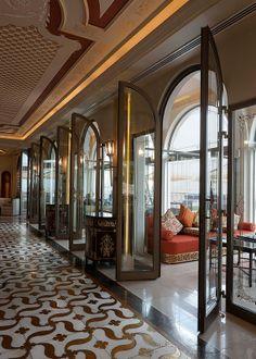 Интерьер ресторана Sukar Pasha в Дохе (2010 год).