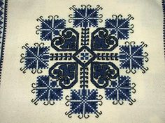 ALL, THAT IS HUNGARIAN - Homespun and cross stitch embroidery of Bereg in the Provincial House of Tákos Hungarian Embroidery, Chain Stitch, Cross Stitch Embroidery, Embroidery Ideas, House, Collections, Easy, Beautiful, Mandalas