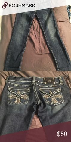 Miss me jeans Miss me jeans size 29 excellent condition like new inseam measures a 32 Miss Me Jeans Straight Leg