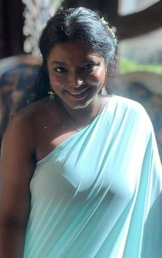 Beautiful Women Videos, Beautiful Women Over 40, Beautiful Girl Indian, Most Beautiful Indian Actress, Beautiful Girl Image, Beautiful Birds, Beautiful Places, Indian Natural Beauty, Indian Beauty Saree