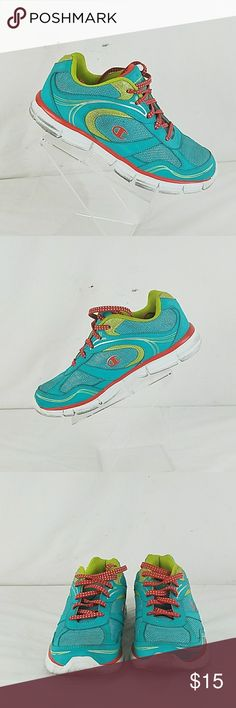 daf97b6c666436 Champion women s athletic running shoes PRE OWNED women s Champion athletic  running shoes size 6 Champion Shoes