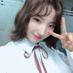 Sweet Girls, Pop Group, How To Relieve Stress, Kpop Girls, Asian Girl, Rapper, Idol, Singer, Actresses