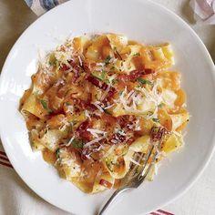 Pasta with prosciutto and cantaloupe. ⭐️