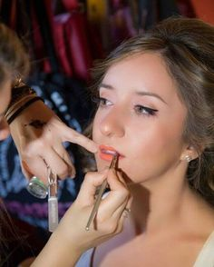 Μακιγιάζ από την Κατερίνα μας! Για ραντεβού ομορφιάς στο σπίτι σας στείλτε αίτημα απο την σελίδα μας www.homebeaute.gr  215 505 0707 ! . . . #γυναικα #myhomebeaute  #ομορφιά #καλλυντικά #καλλυντικα #μακιγιαζ #makeup #ομορφια #μακιγιάζ #μακιγιάζ #βλεμμα #κραγιον #κραγιόν