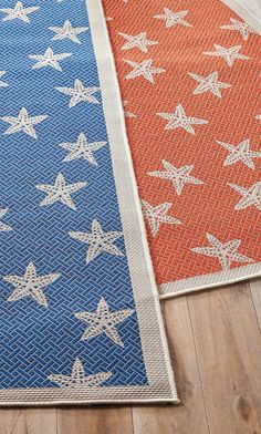Introduce coastal charm to any room with the Starfish Outdoor Rug.