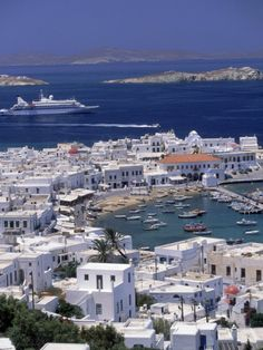 Mykonos, one of the world's most sensational islands if not a piece of land from heaven. With it's fabulous temperament and large cost scattered around the island every year Mykonos get… Places Around The World, Travel Around The World, Around The Worlds, Dream Vacations, Vacation Spots, Family Vacations, Cruise Vacation, Places To Travel, Places To See