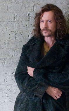 Generalmente no me gusta Gary Oldman, pero con la caracterización de Sirius Black... ah como ño.
