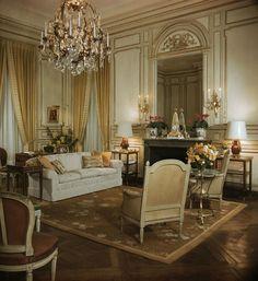 Windsor castle White sitting room