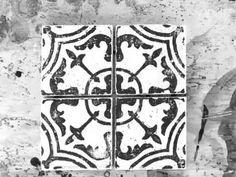Have a tile floor or backsplash that needs revamping? Learn how to make cheap tile look expensive with the IOD Cubano Field Tile Decor Stamp. Tile Floor Diy, Stenciled Floor, Floor Stencil, Porch Flooring, Diy Flooring, Painting Tile Floors, Diy Painting, Cheap Tiles, Iron Orchid Designs