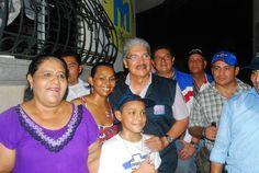 Norman Quijano futuro presidente de El Salvador durante su visita Usulután y Barrio La Merced.