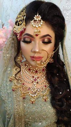 Indian Bridal Makeup, Wedding Makeup, Beautiful Girl Indian, Beautiful Bride, Black And Silver Eye Makeup, Dress India, Genelia D'souza, Wedding Suits, Wedding Dresses