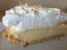 Lemon pie with maria biscuits Köstliche Desserts, Delicious Desserts, Dessert Recipes, Yummy Food, Cooking Time, Cooking Recipes, Pie Cake, Cakes And More, Love Food
