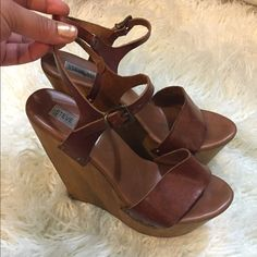 steve madden wedges Worn alot of times nice wearablecondition Steve Madden Shoes Wedges
